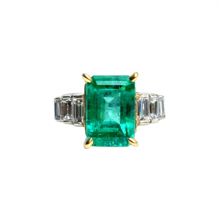 5.41ct Green Emerald Diamond Ring
